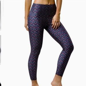 Onzie Awake high rise basic midi legging